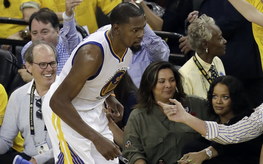 Apple Exec Denies Yelling at Rihanna During NBA Finals